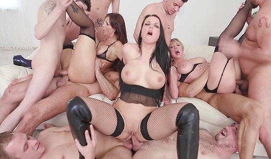 Порно hd оргию