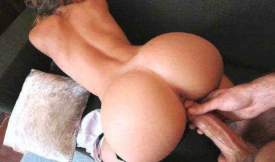 Муж и его жопастая жена снимают в позе раком домашнее порно...
