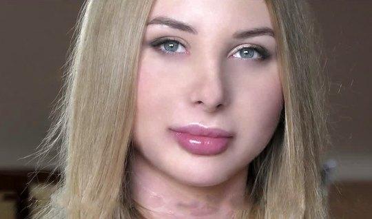 Русская красотка на кастинге испытала оргазм от двойного проникновения...