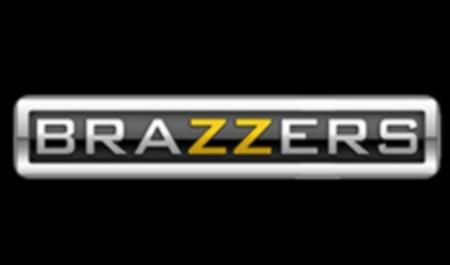 порно Brazzers онлайн
